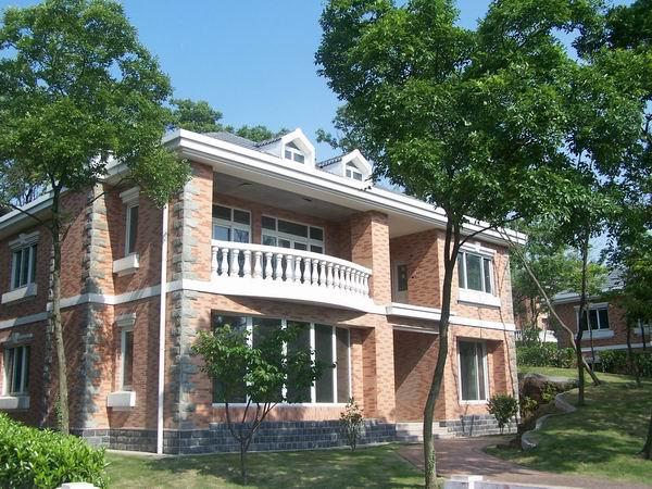 帝豪花园别墅      地理位置:位于风景美丽的中山